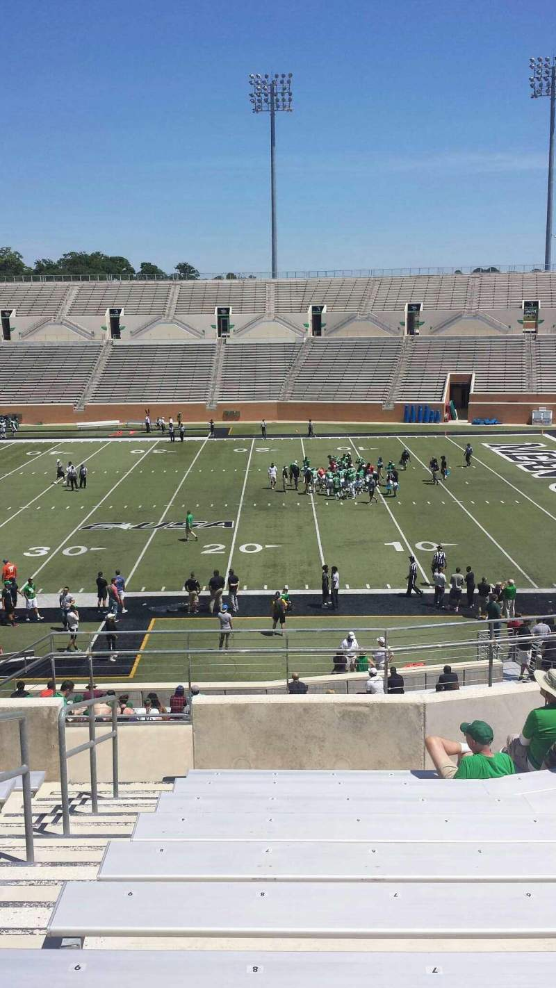 Apogee Stadium, section: 204, row: 10, seat: 9