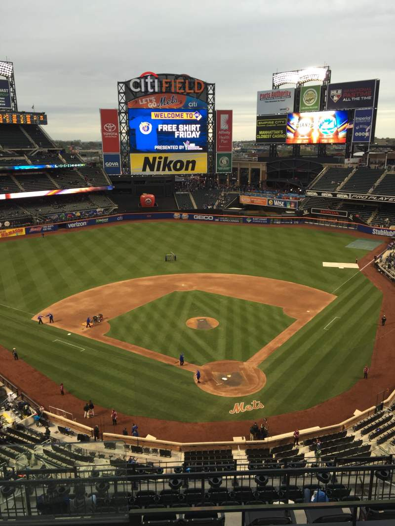 Seating view for Citi Field Section 515 Row 3 Seat 18