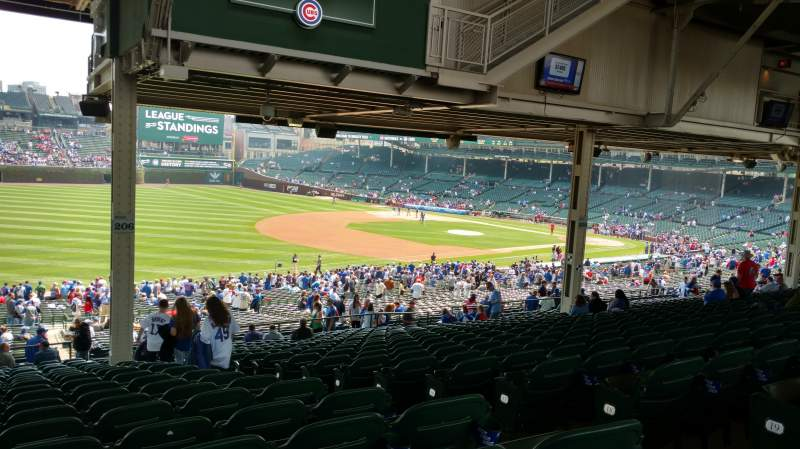 Seating view for Wrigley Field Section 206 Row 21 Seat 104