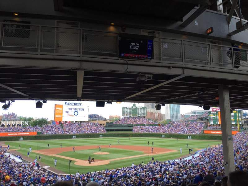 Wrigley Field, section: 222, row: 17, seat: 8
