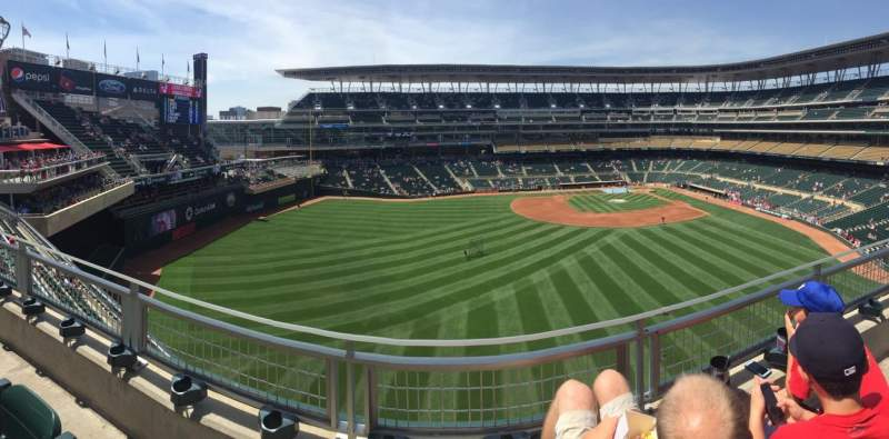 Seating view for Target Field Section 332 Row 2 Seat 8