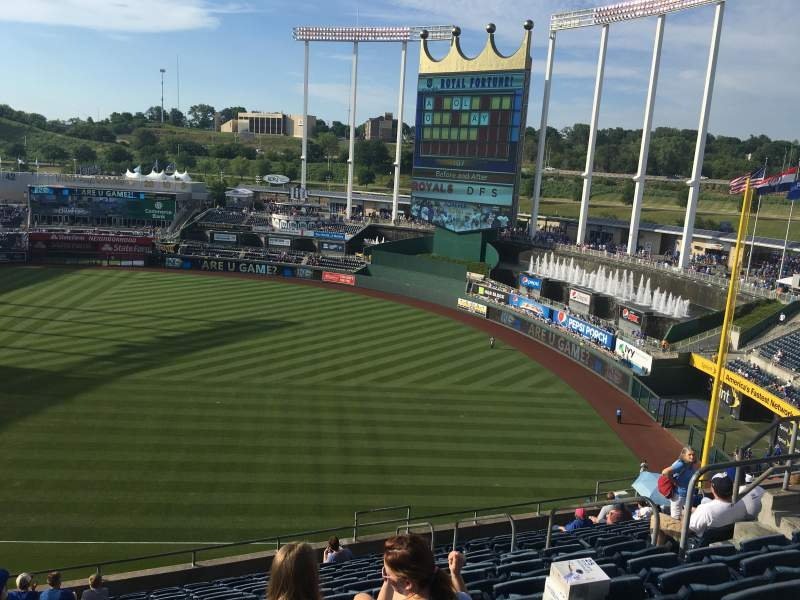 Seating view for Kauffman Stadium Section 435 Row R Seat 11