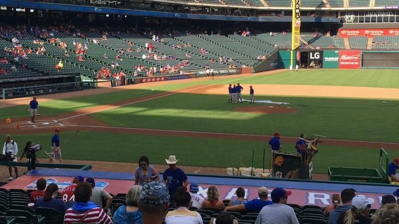 Seating view for Globe Life Park in Arlington Section 33 Row 20 Seat 5
