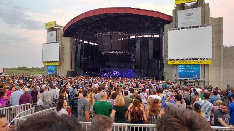 Seating view for Jones Beach Theater Section 3R Row C Seat 5