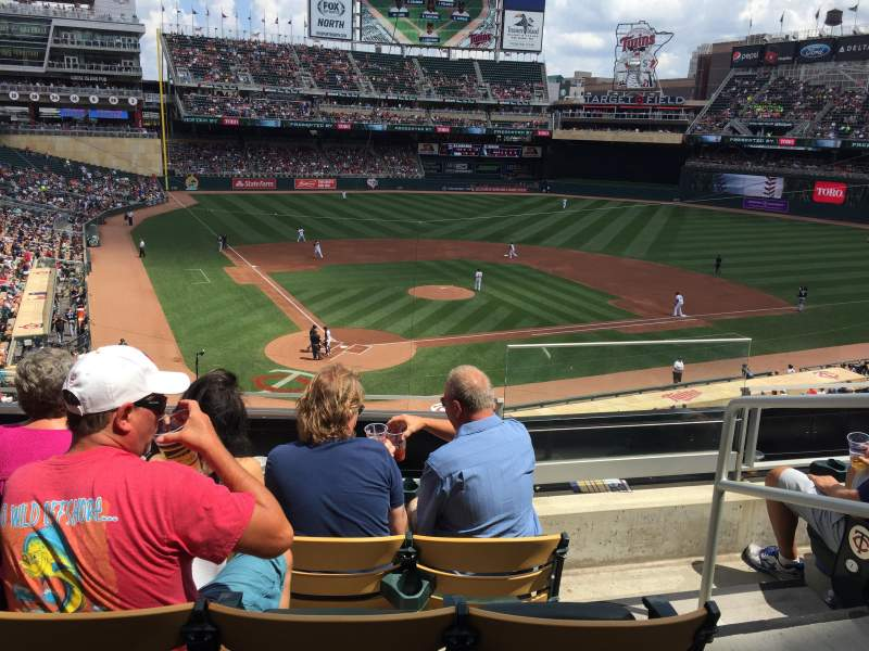 Seating view for Target Field Section E Row 4 Seat 1