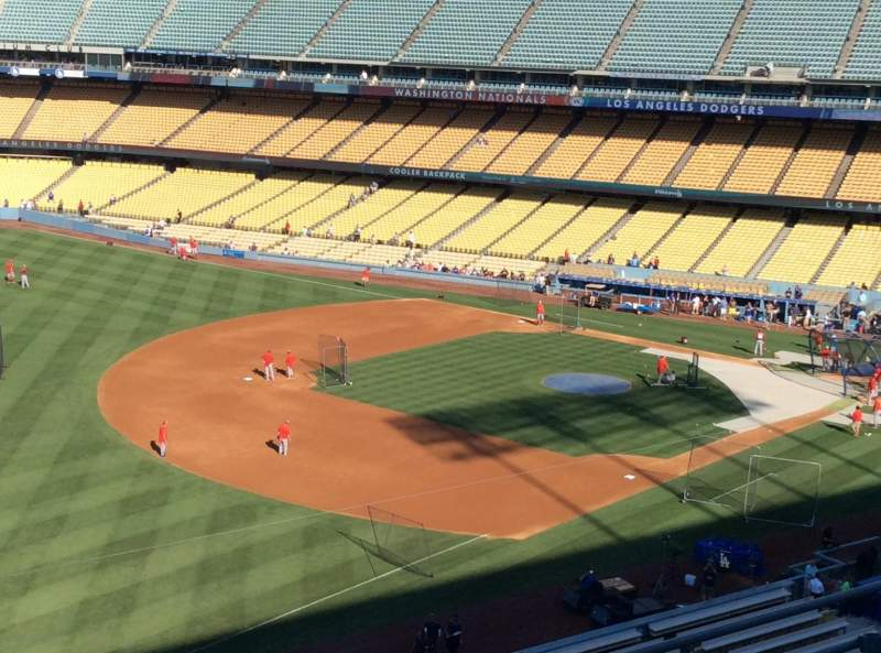 Seating view for Dodger Stadium Section 39RS Row R Seat 4