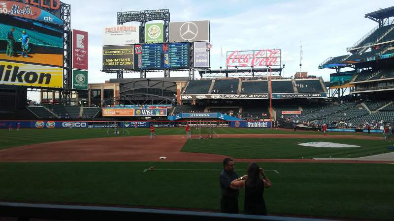 Seating view for Citi Field Section 122 Row 21 Seat 14