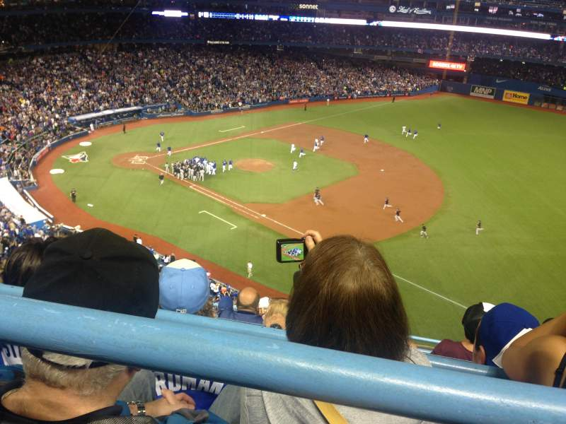 Rogers Centre, section: 514L, row: 7, seat: 105