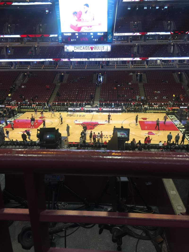 Seating view for United Center Section 317 Row 1