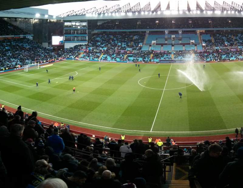 Seating view for Villa Park Section P Row Oo Seat 133
