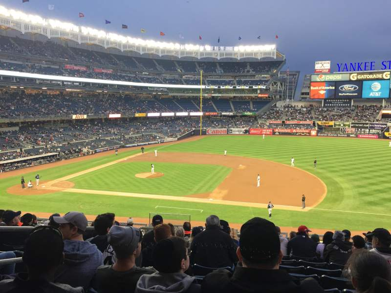 Seating view for Yankee Stadium Section 214b Row 11 Seat 17