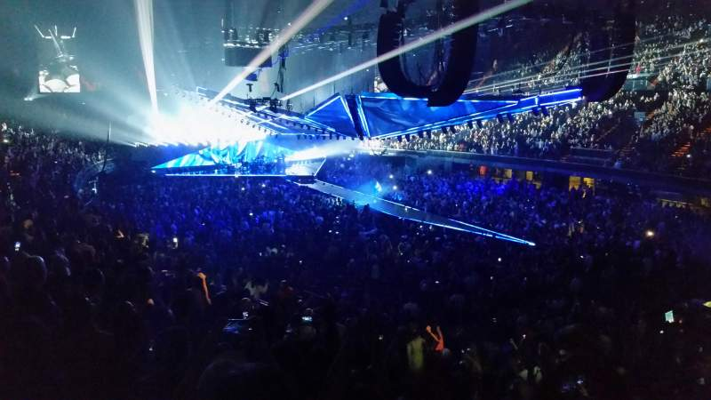 The Forum, section: 132, row: 15, seat: 10