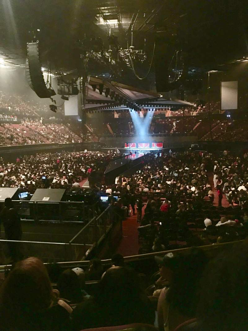 The Forum, section: 102, row: 6, seat: 4