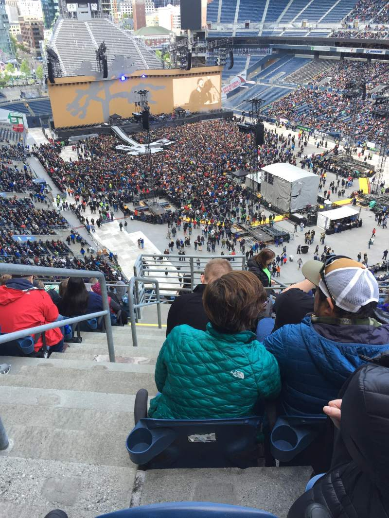 Seating view for CenturyLink Field Section 326 Row M Seat 21