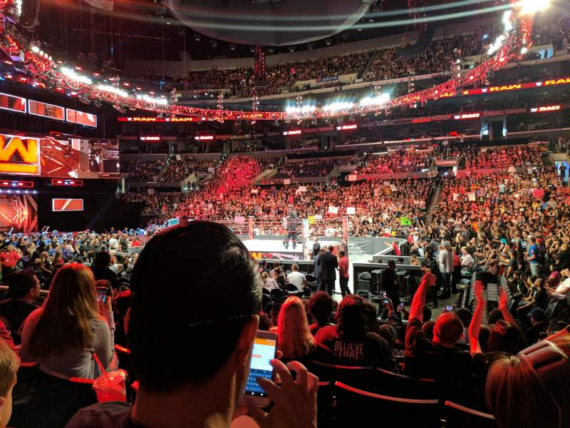 Monday Night Raw Photos