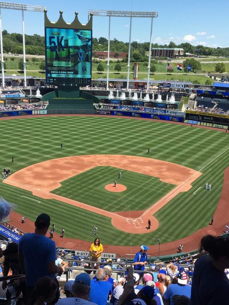Kauffman Stadium, section: 419, row: KK, seat: 2