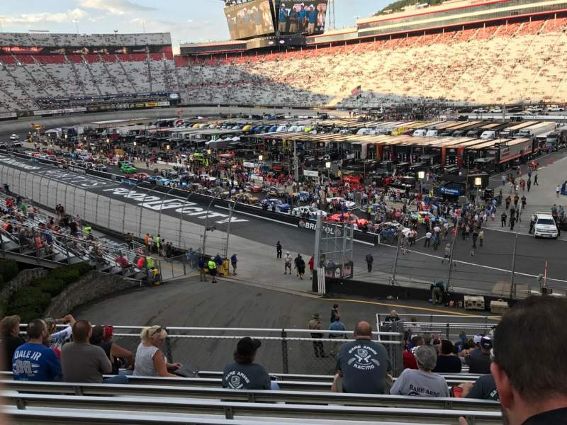 Bristol motor speedway section gg row 17 seat 8 shared for Lodging near bristol motor speedway