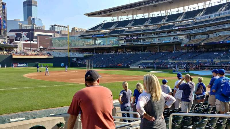 Seating view for Target Field Section 16 Row 6 Seat 5