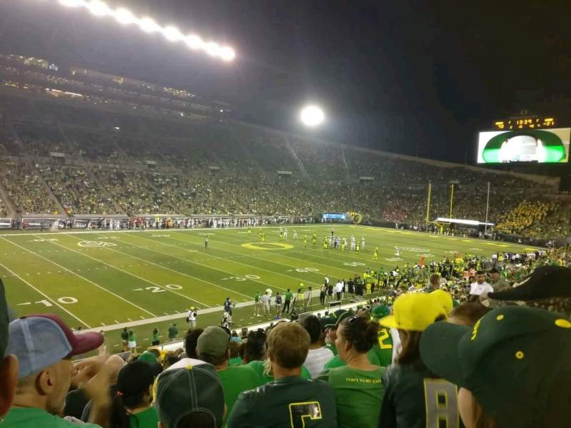 Seating view for Autzen Stadium Section 16 Row 28 Seat 20