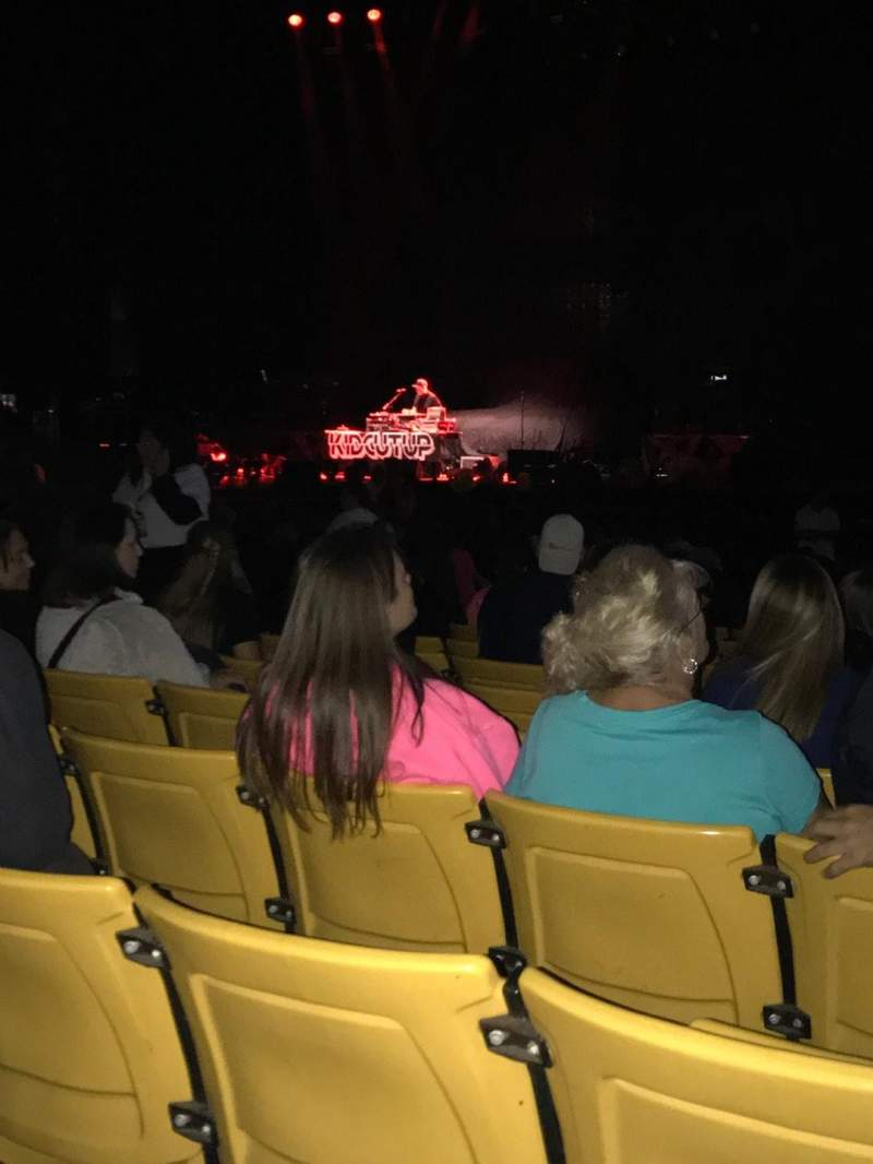 Hollywood Casino Amphitheatre (Tinley Park), section: 102, row: V, seat: 13