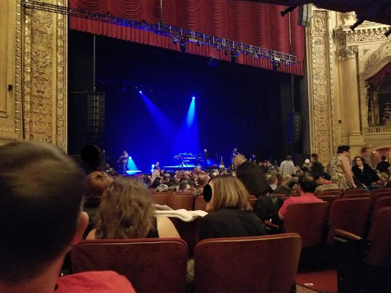 Seating view for Chicago Theatre Section MNFL2L Row G Seat 205