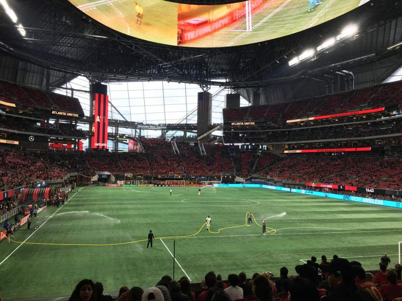 Seating view for Mercedes-Benz Stadium Section 121 Row 21 Seat 11