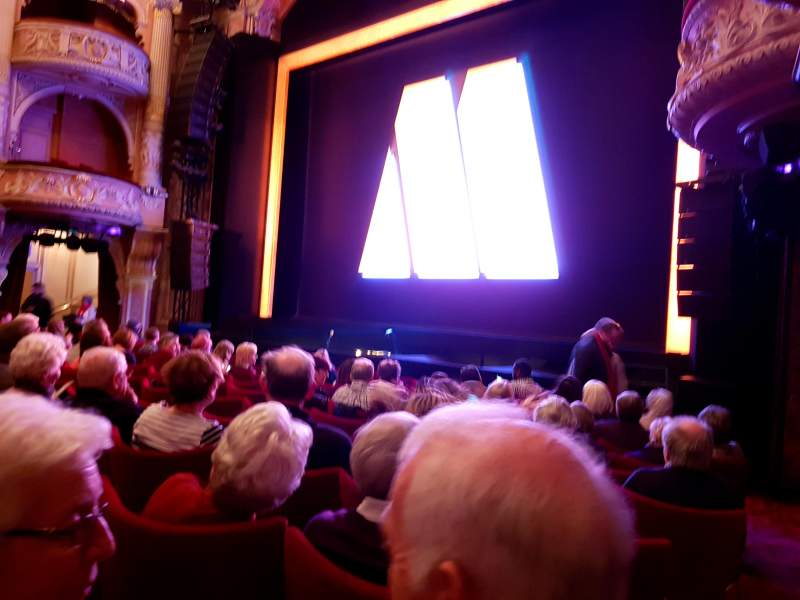Shaftesbury Theatre, section: Stalls, row: J, seat: 4