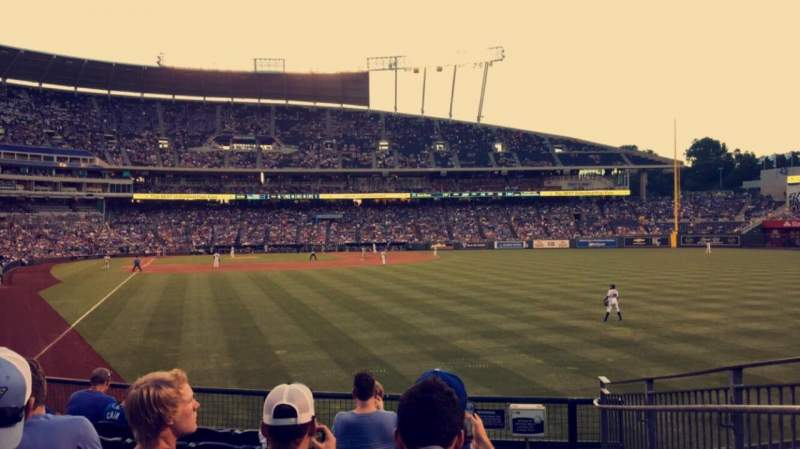 Seating view for Kauffman Stadium Section 148 Row T