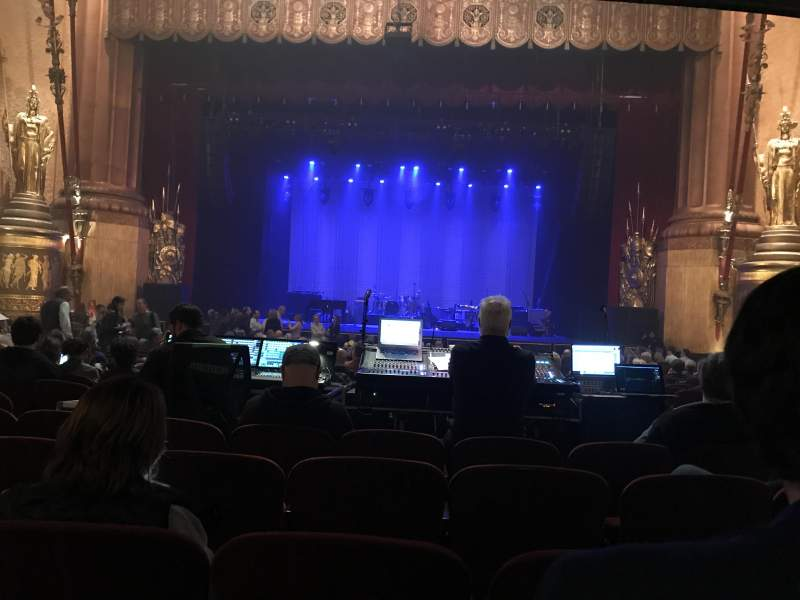 Beacon Theatre, section: Orchestra, row: T, seat: 112