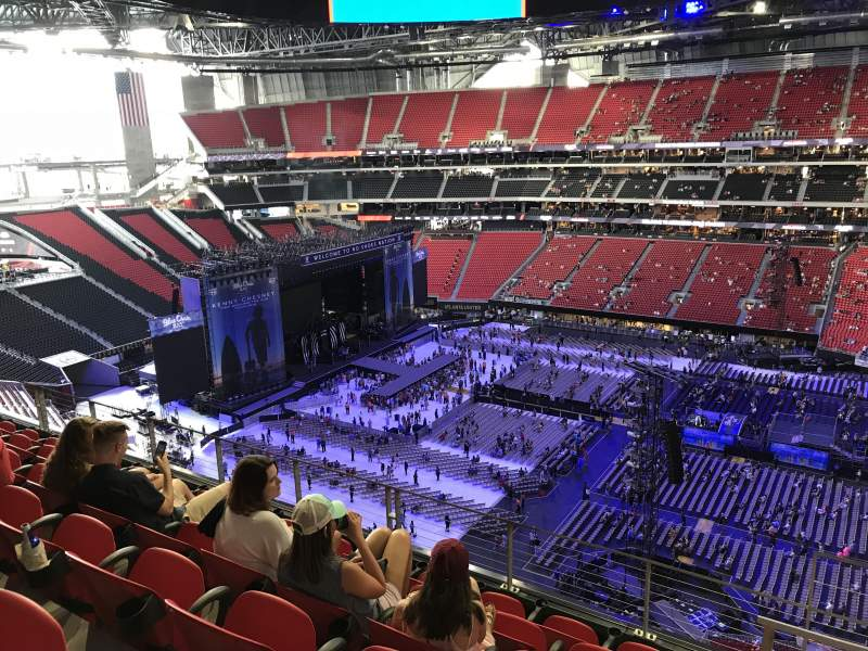 Seating view for Mercedes-Benz Stadium Section 337 Row 6 Seat 2