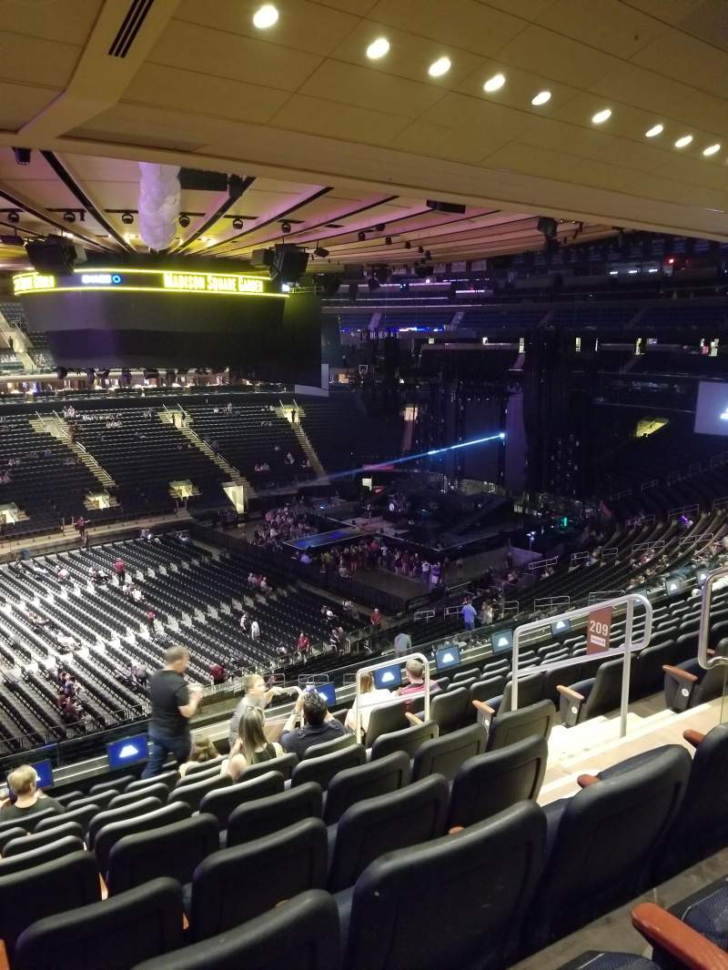 Madison Square Garden, section: 209, row: 10, seat: 10