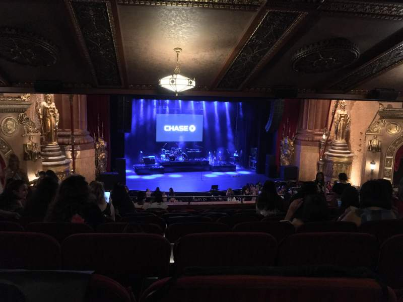Seating view for Beacon Theatre Section LOGE1 Row K Seat 3