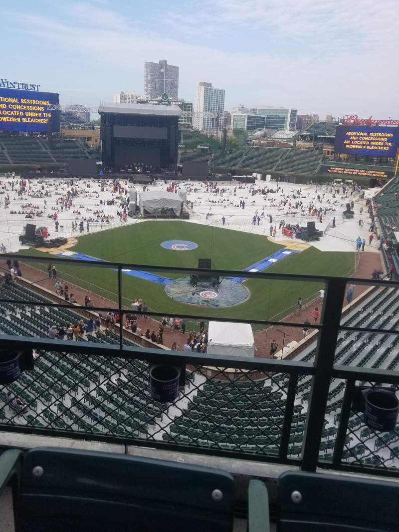 Wrigley Field, section: 420, row: 2, seat: 105