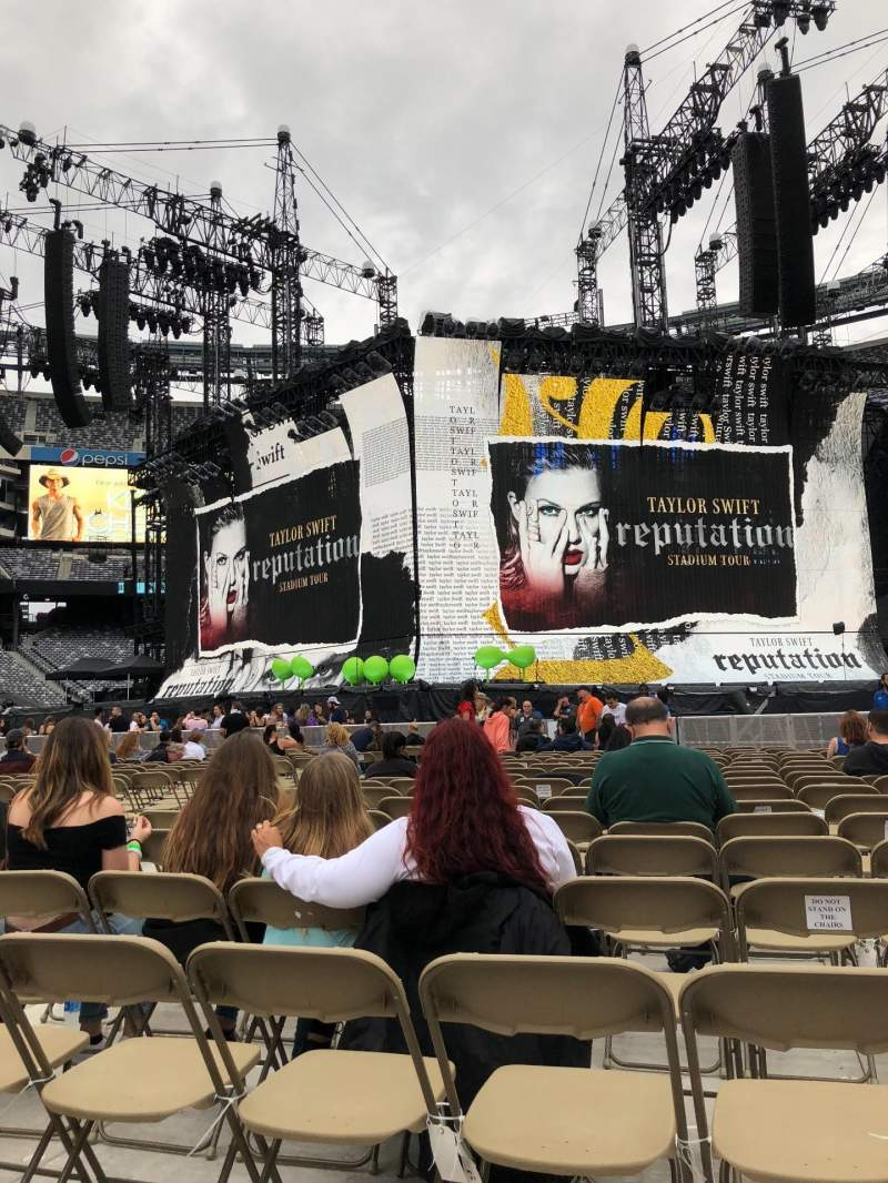 MetLife Stadium, section: 4, row: 23, seat: 14
