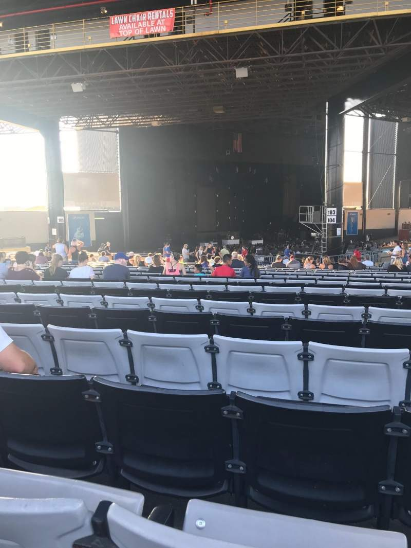 Hollywood Casino Amphitheatre (Tinley Park), section: 206, row: LLL, seat: 15