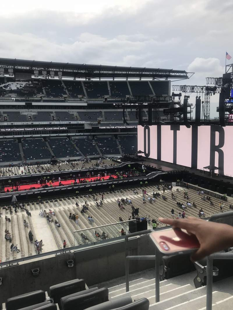 Lincoln Financial Field, section: C20, row: 5, seat: 2