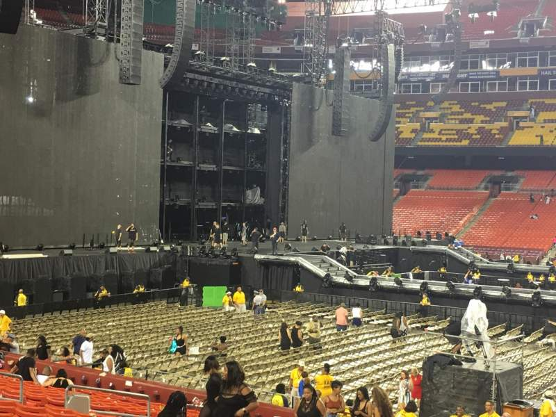 FedEx Field, section: 142, row: 20, seat: 4