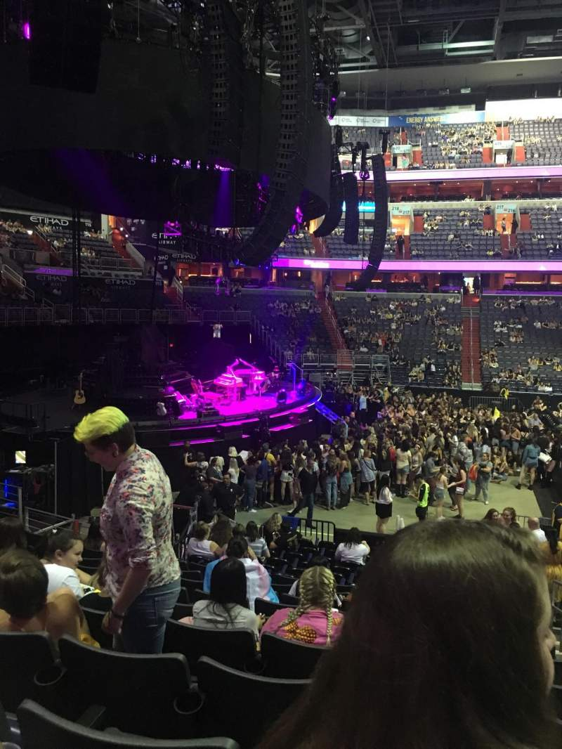Capital One Arena, section: 120, row: Q, seat: 18