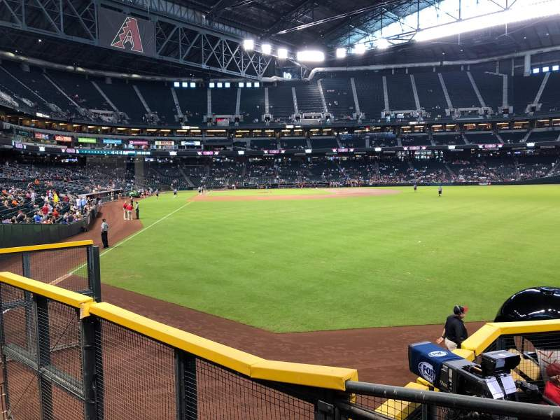 Chase field, section: 105, row: 19, seat: 12