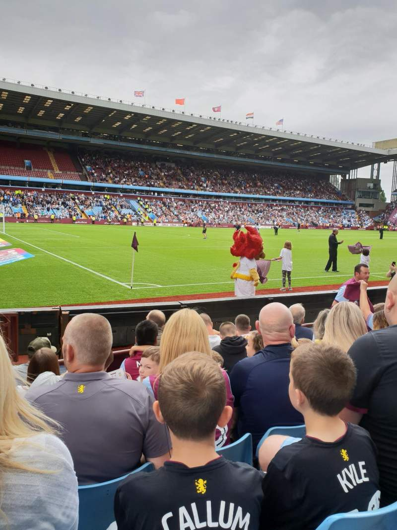 Seating view for Villa Park Section C9 Row 7