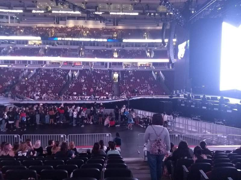 Seating view for United Center Section 122 Row 11 Seat 1+2