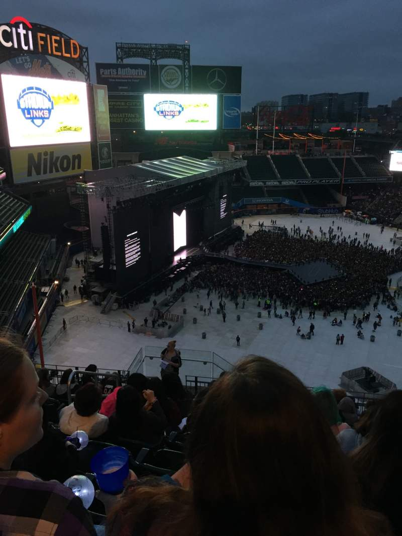 Seating view for Citi Field Section 527 Row 12 Seat 21