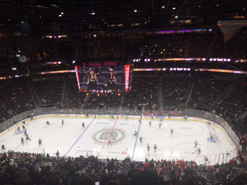 Seating view for T-Mobile Arena Section 206 Row q Seat 16