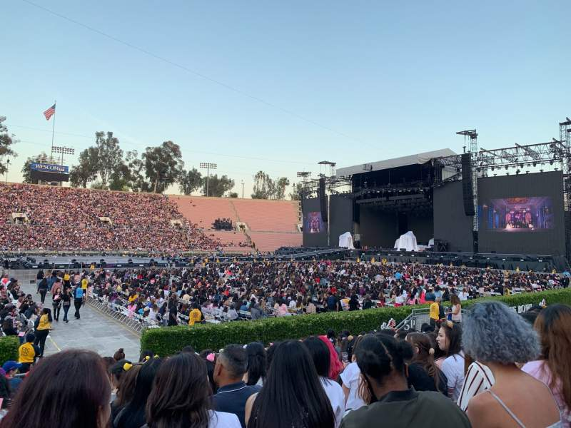 Seating view for Rose Bowl Section 17-H Row 10 Seat 109