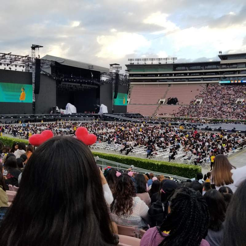 Seating view for Rose Bowl Section 6-L Row 17 Seat 8