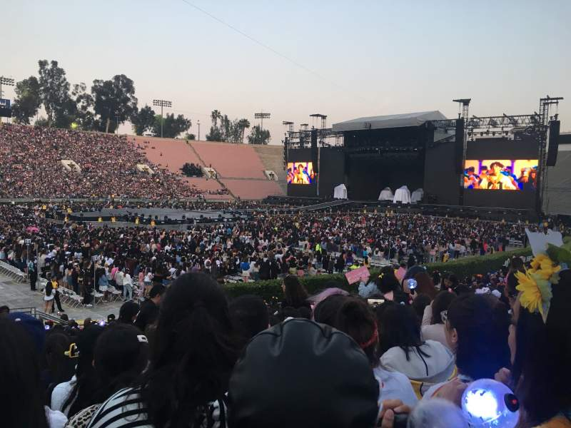 Seating view for Rose Bowl Section 16-H Row 19 Seat 102