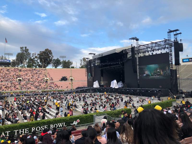 Seating view for Rose Bowl Section 18-H Row 15 Seat 117-118