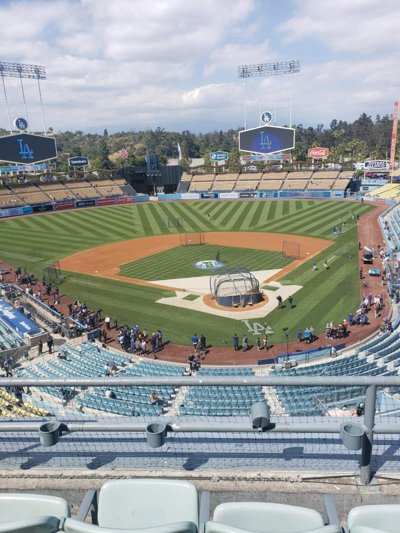 Seating view for Dodger Stadium Section 3RS Row 3 Seat 17