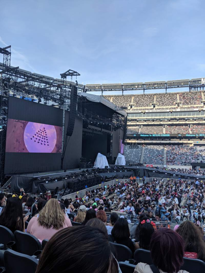Seating view for Metlife Stadium Section 140 Row 18 Seat 21