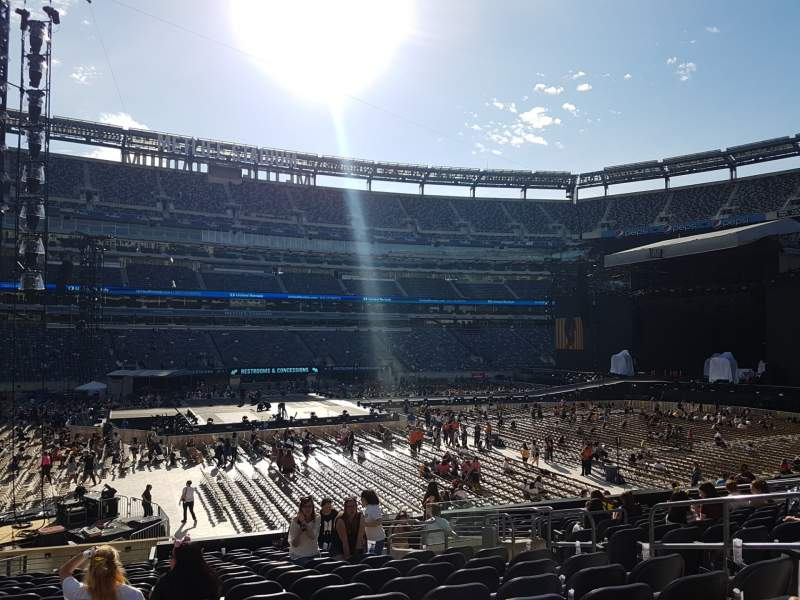 Seating view for MetLife Stadium Section 115c Row 17 Seat 8